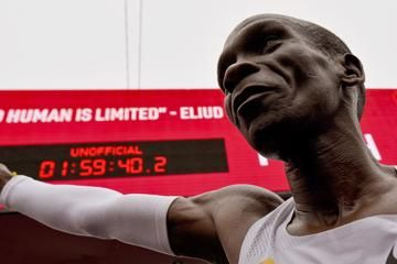 with-second-world-athlete-of-the-year-honour-kipchoge-shows-theres-no-limit