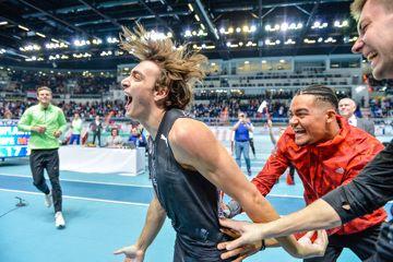 Mondo Duplantis after clearing a world record of 6.17m in Torun (Pawel Skraba)