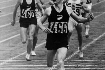 Peter Snell wins the 1500m at the 1964 Olympic Games in Tokyo