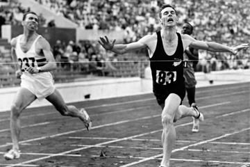 Peter Snell wins the 800m at the 1960 Olympic Games in Rome