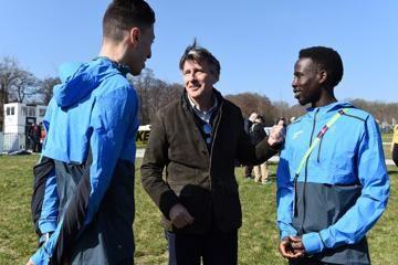 Athlete refugees Otmane Nait-Hammou and Jamal Abdelmaji Eisa Mohammed in Aarhus with IAAF President Sebastian Coe